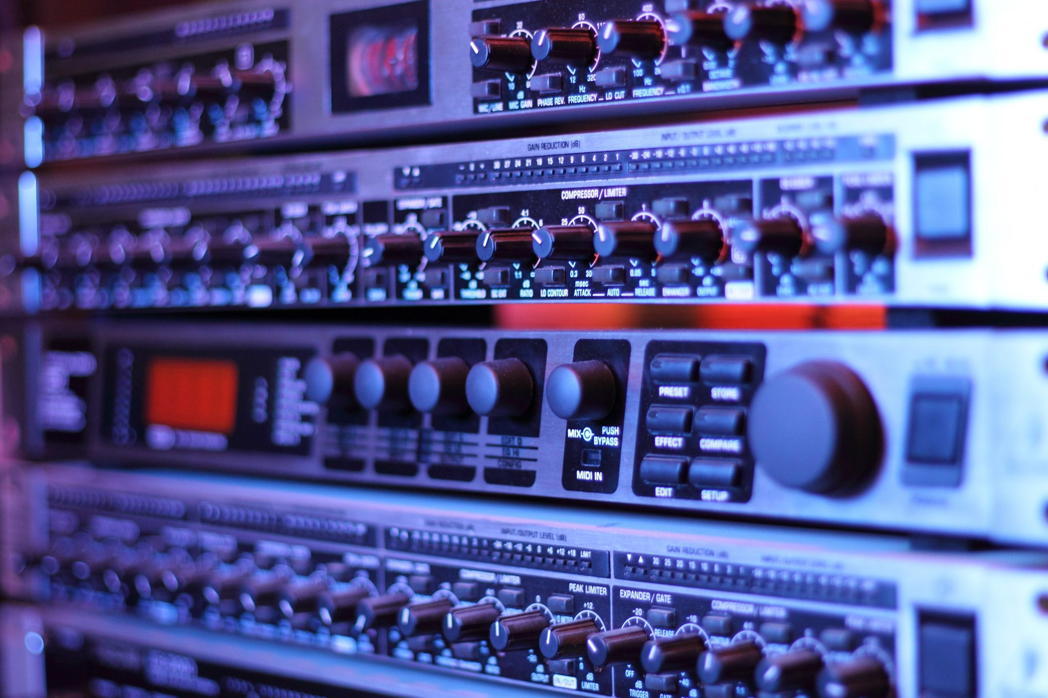 Benefits of Hardware Synthesizers